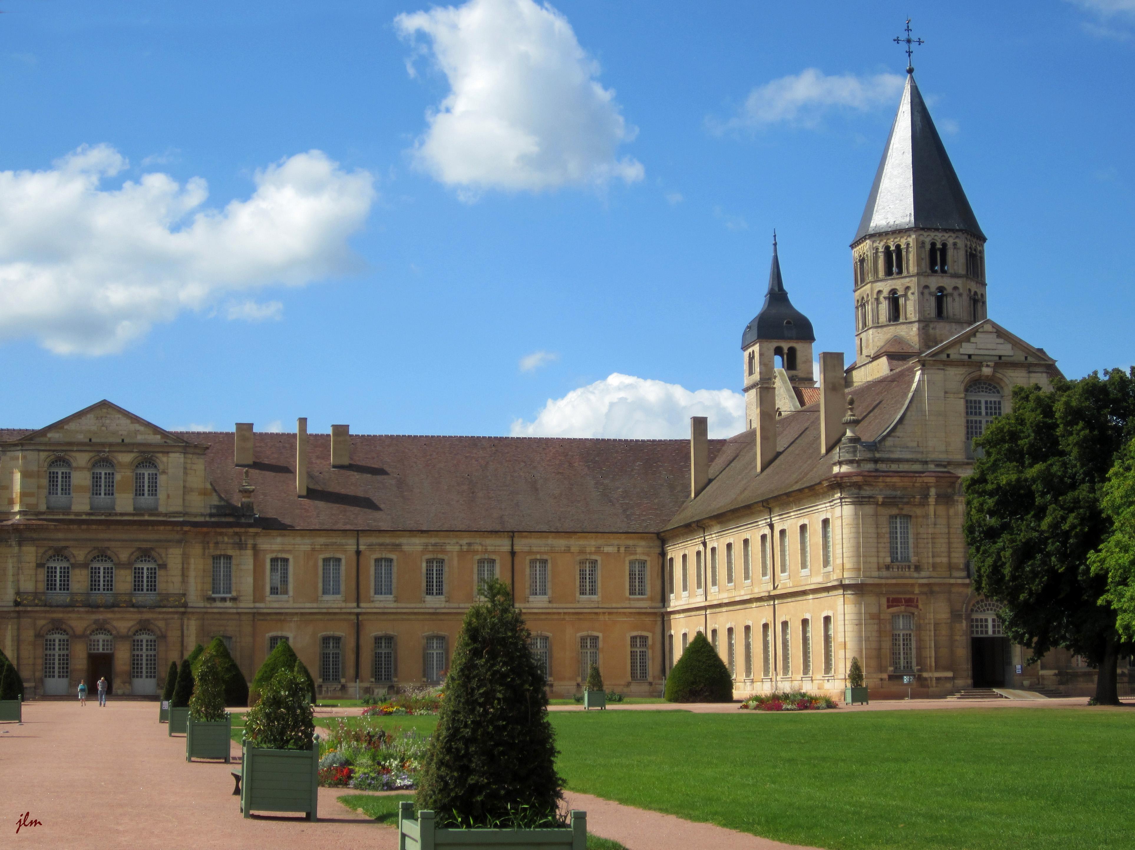 """Résultat de recherche d'images pour """"l'abbaye de cluny"""""""