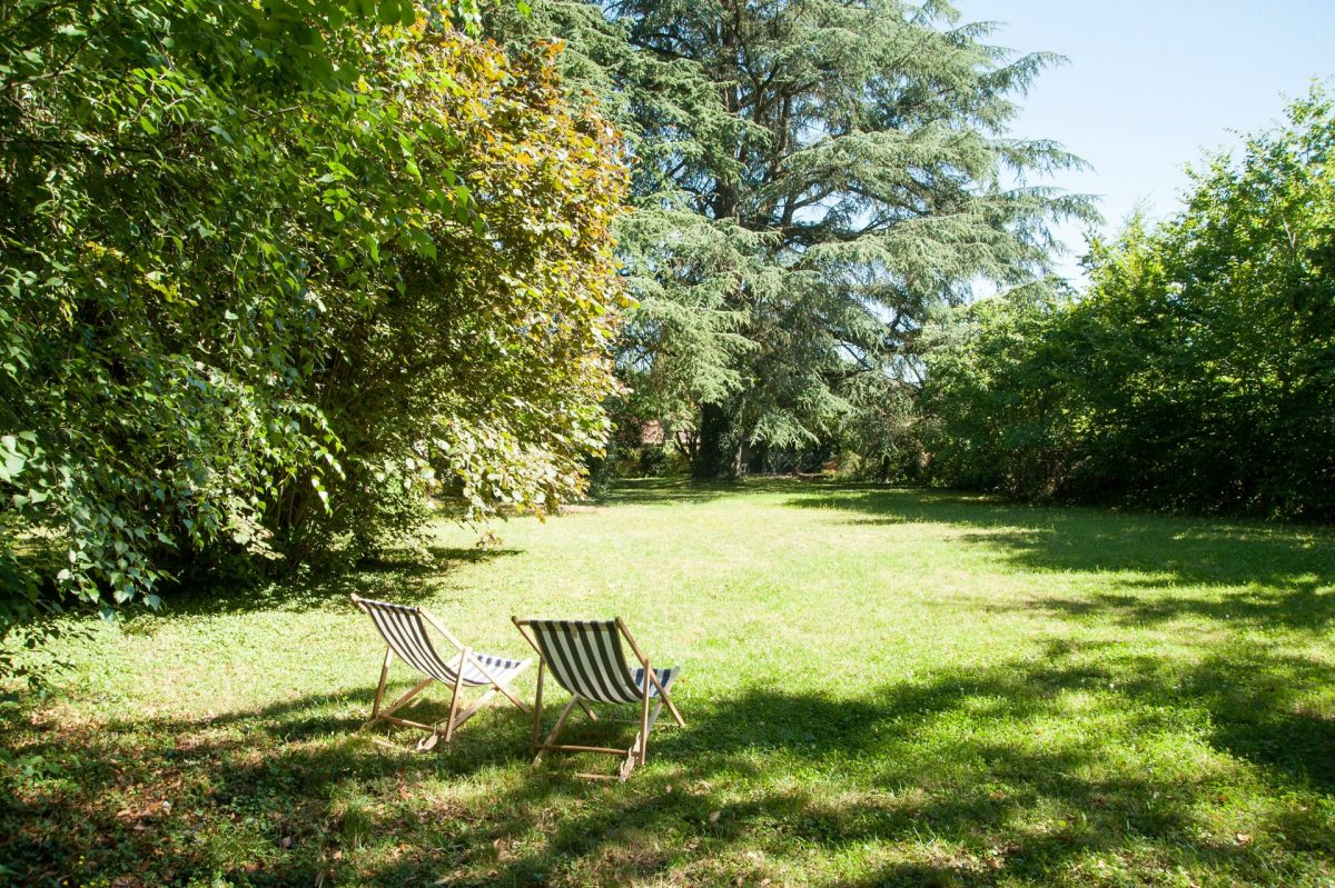 La Maison des Gardes : a huge island of greenery in the heart of Cluny !