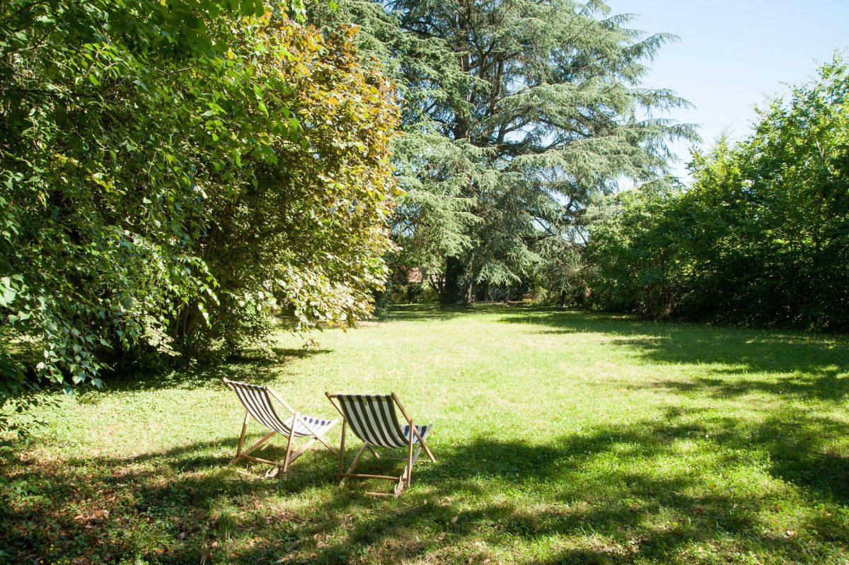La Maison des Gardes : un immense ilot de verdure en plein coeur de Cluny !